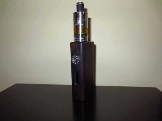 Vapor Giant M5 auf Woody Vapes E-118