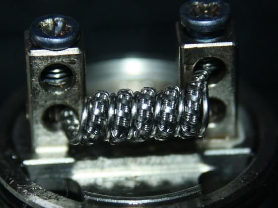 Transformer coil 2x Clapton 0,3mm V2A seele,0,1mm V2A Mantel fussed mit 0,1x0,4mm Kanthal A1 und 0,5mm V2A in den Zwischenräumen